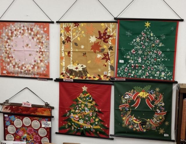 11月は紅葉12月はクリスマスが大人気!紅葉、クリスマス、お正月飾り、 ガーゼハンカチ、タペストリー   プレゼント 外国